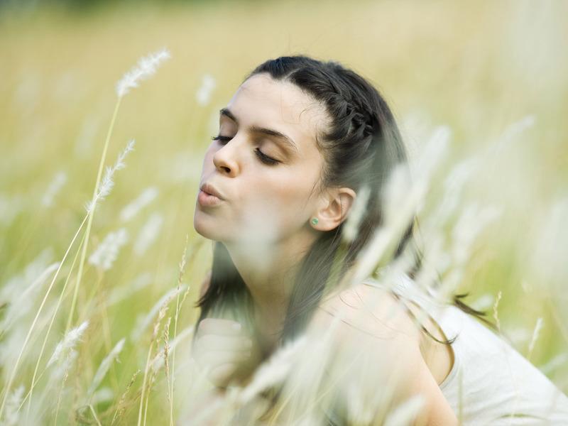 【图集】户外美女照片||cf美女角色稞身照片18岁未满