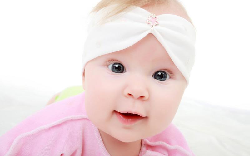 可爱的宝贝们那清澈的眼睛壁纸图片